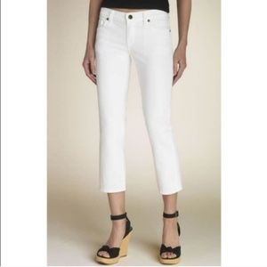 COH Kelly #063 White crops size 28   Stretch